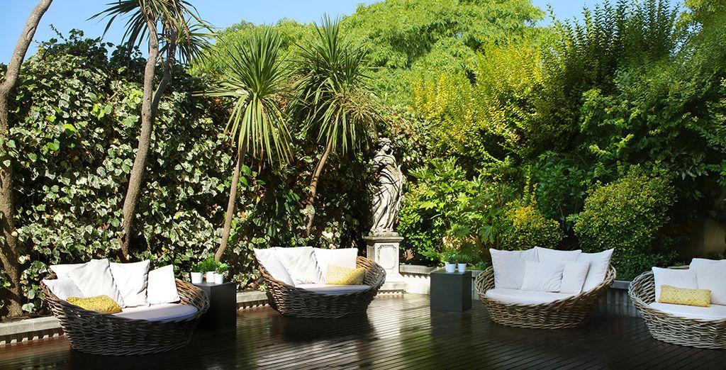Pretty manicured gardens....