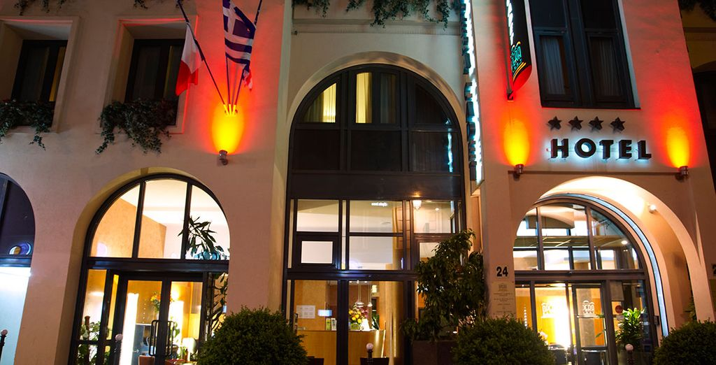 You will enjoy great comfort in the hotel's cosy art deco atmosphere
