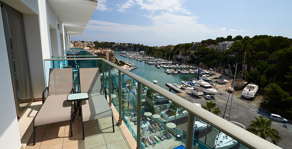Stay in a beautiful Apartment with striking sea views