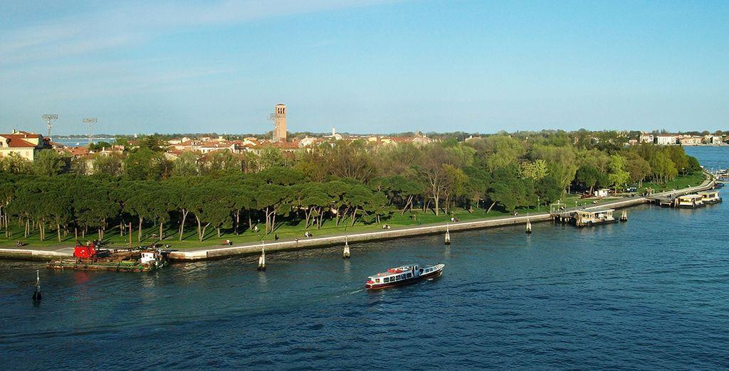 Next to the largest park on the main island: Parco delle Rimembranze