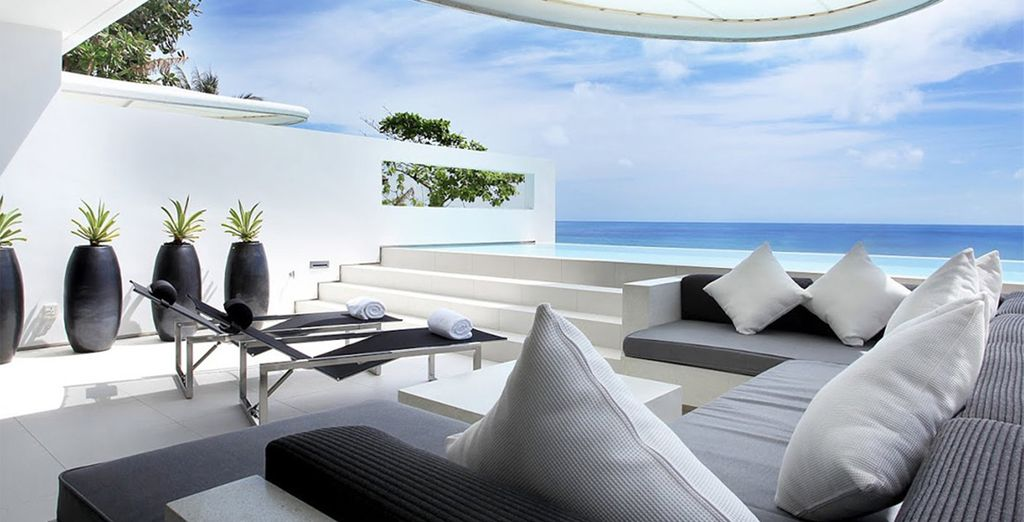 Complete with private infinity pool & panoramic terrace