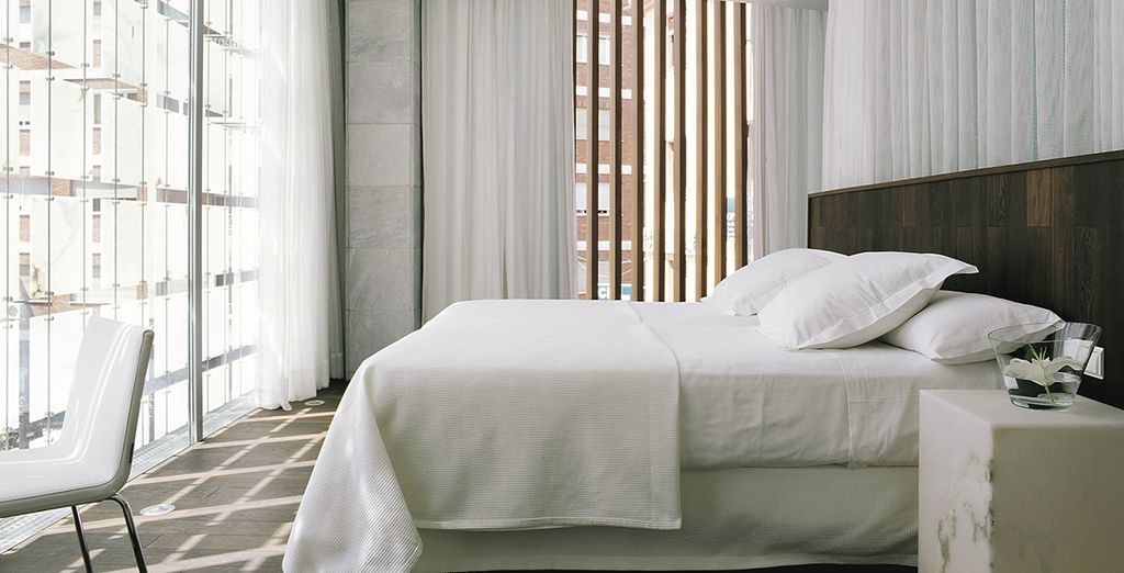 Sleep in a minimalist and effortlessly chic room (Either Dreamer's Double or Deluxe Double)