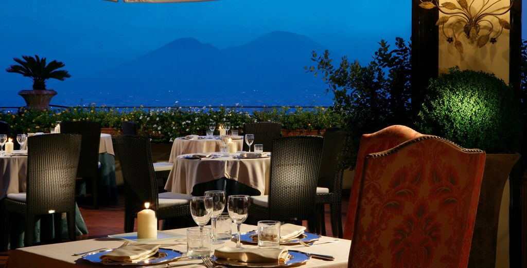 Enjoy an exquisite dinner and experience true Campania flavours