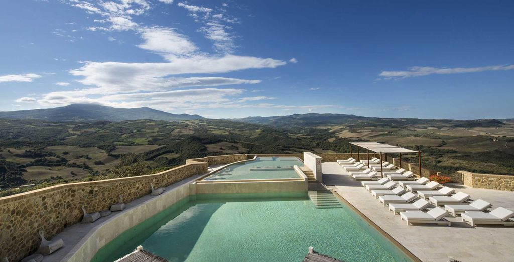 You are in a prime position to enjoy the best of Tuscany's food, wine and wonderful countryside views