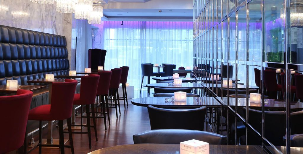 Then head to one of the trendy bars for an aparetif