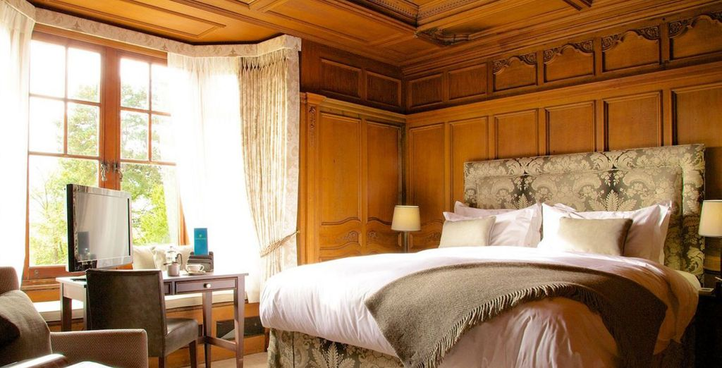 Or in a Hall Luxury Feature Room