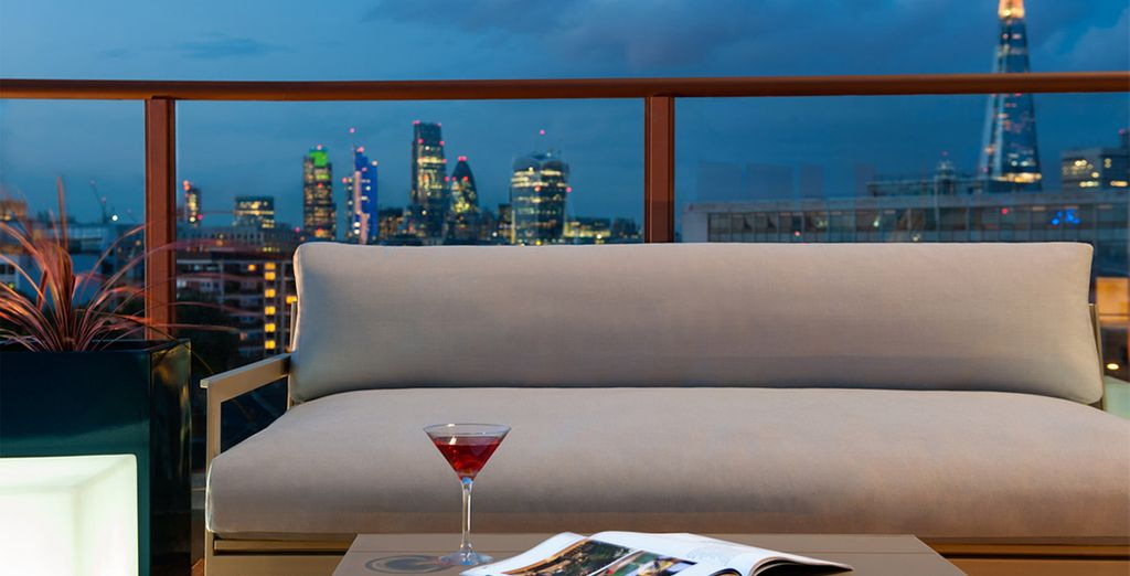 With an expertly mixed cocktail for the perfectly chic city break