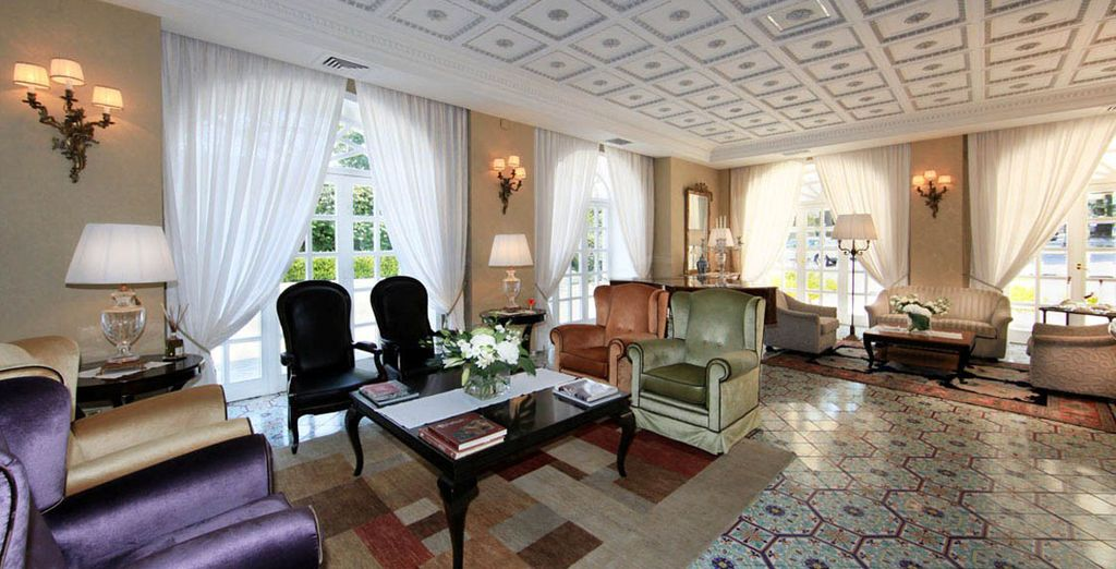Stay at the 4* La Medusa Grand Hotel