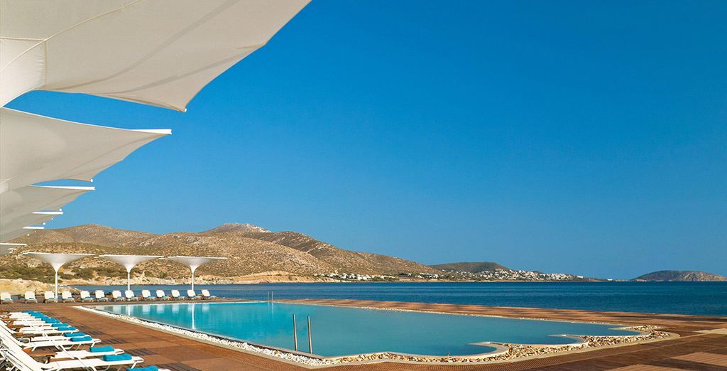 Soak up the sun at Grand Resort Lagonissi 5*