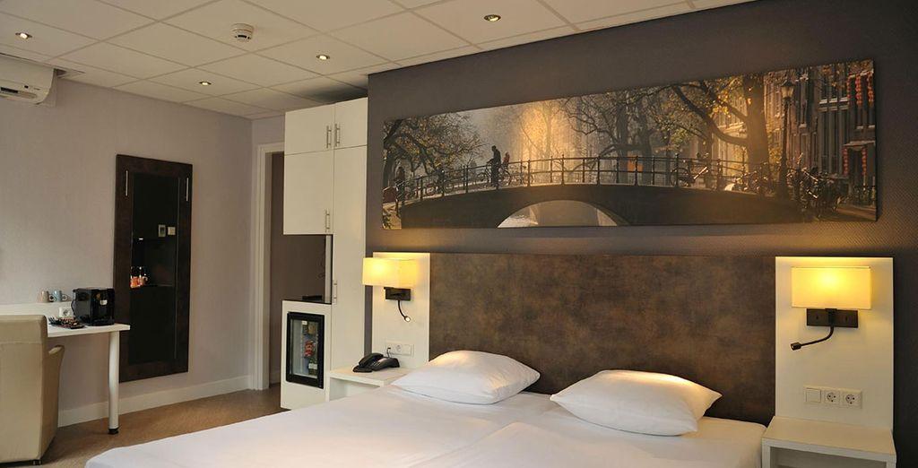 Amsterdam De Roode Leeuw features sleek modern decor