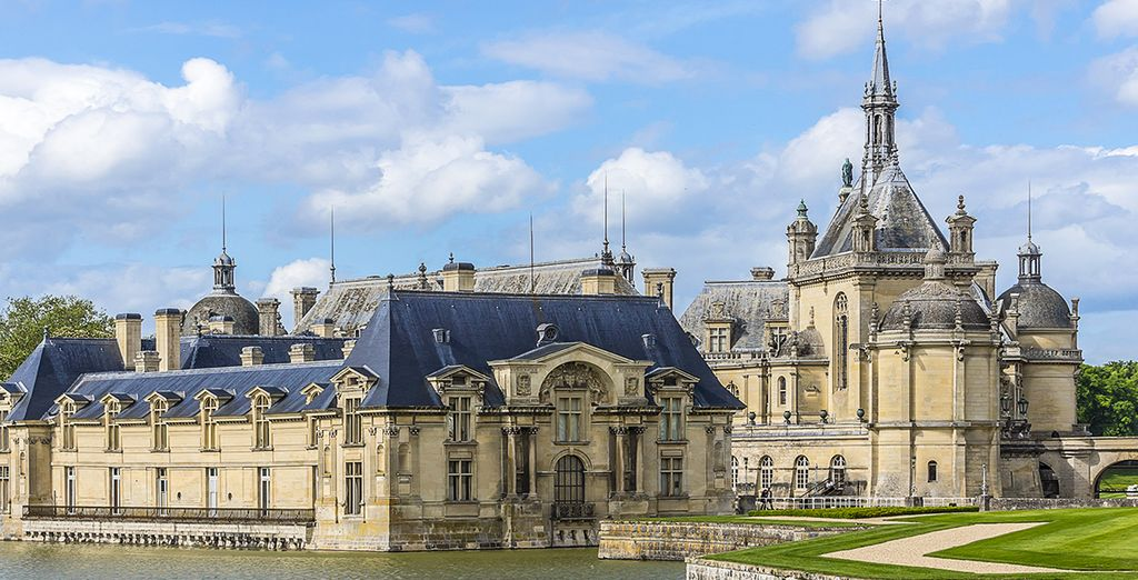 And free entrance to the to the Chateau de Chantilly, Gardens & Great Stables