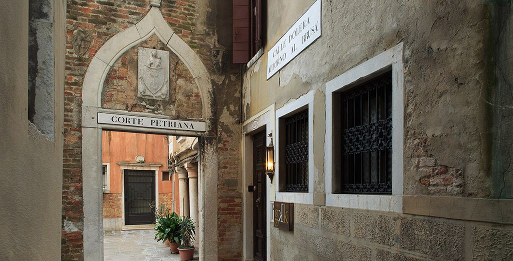 Situated in the scenic San Polo district