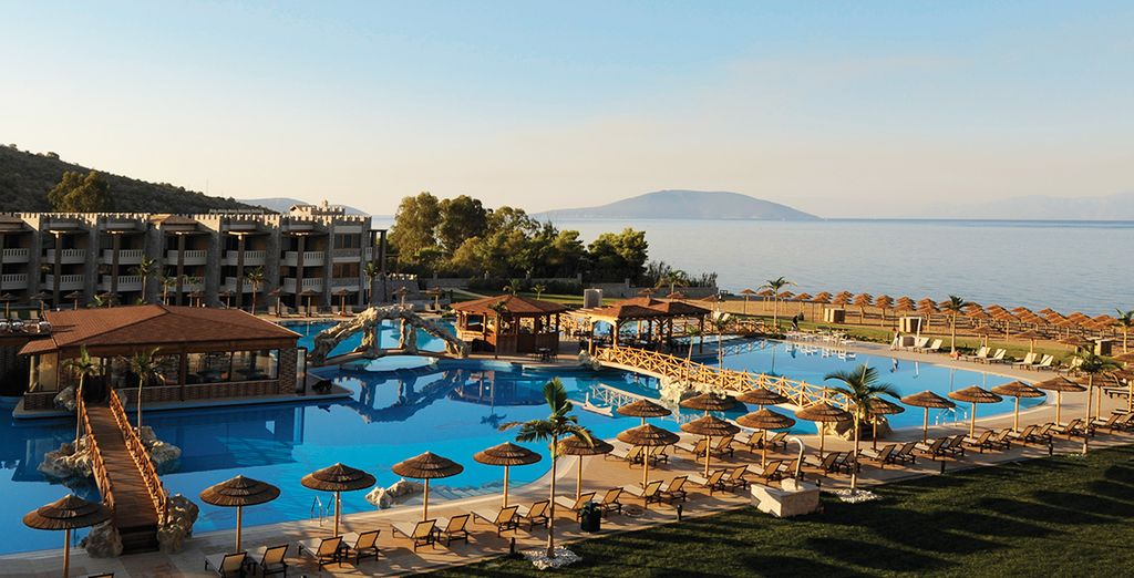 Adults only holidays in Greece, Adults only hotels in Greece, Travel finder Voyage Privé