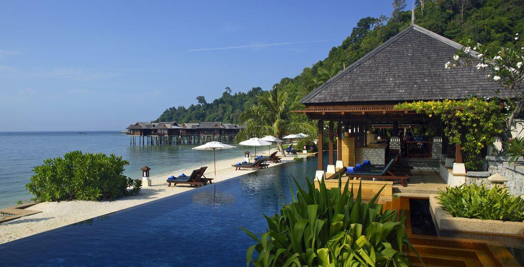 Hotel Stripes Kuala Lumpur 5* & Pangkor Laut Resort 5* - best hotel in Kuala Lumpur