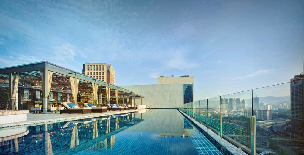 Hotel Stripes Kuala Lumpur 5* & Pangkor Laut Resort 5* - hotel with a view in Kuala Lumpur
