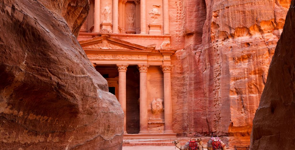 Experience a land of mystery - 6 Night Tour of Jordan with 5* Hotels Amman & Petra