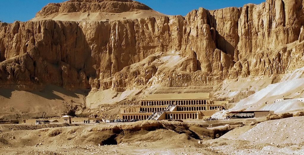 Start on the East Bank with a visit to the Valley of the Kings and Queens