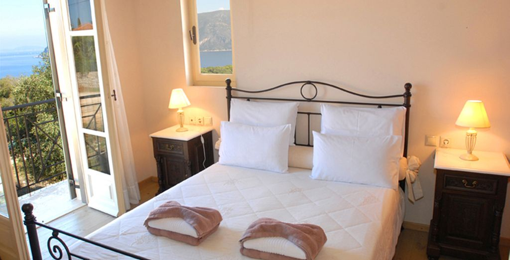 With space for up to 6 guests - Villas Helios & Asteria Kefalonia
