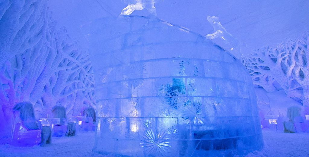 And a Safari at the Ice Domes! - Ice Dome and Northern Lights Hunt Tromso