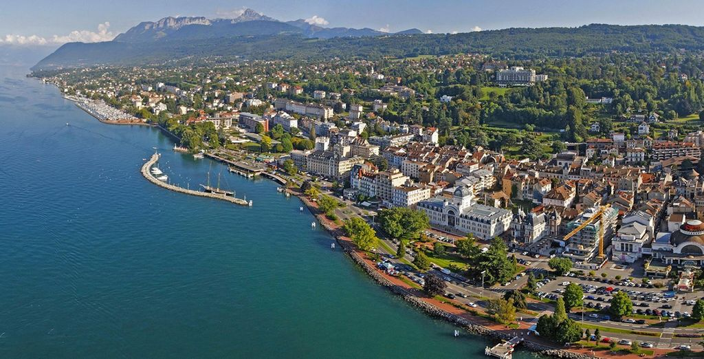 Nestled on the shores of Lake Geneva... - Hilton Evian les Bains 4* Evian Les Bains