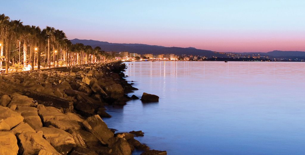 Head out for a romantic walk across the bay
