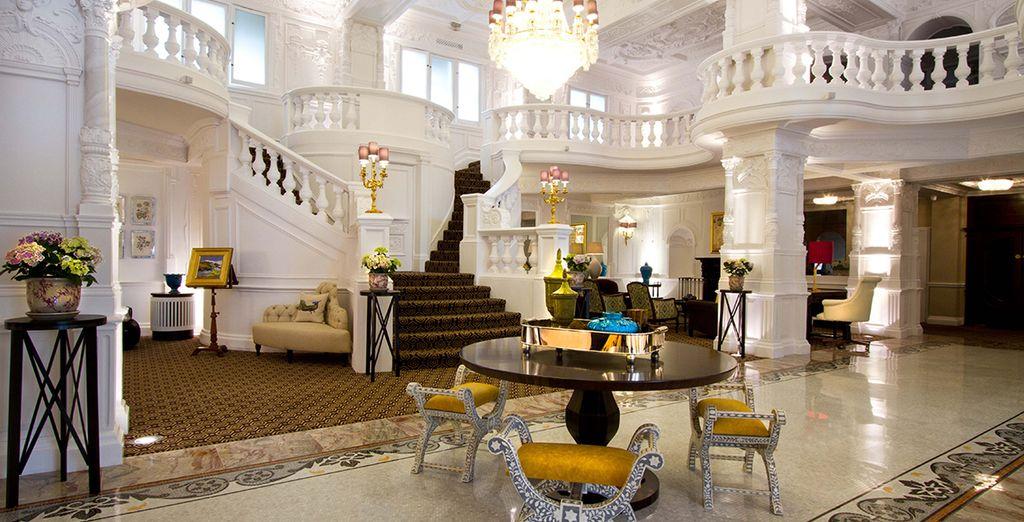 The stunning lobby - St Ermins Hotel**** London
