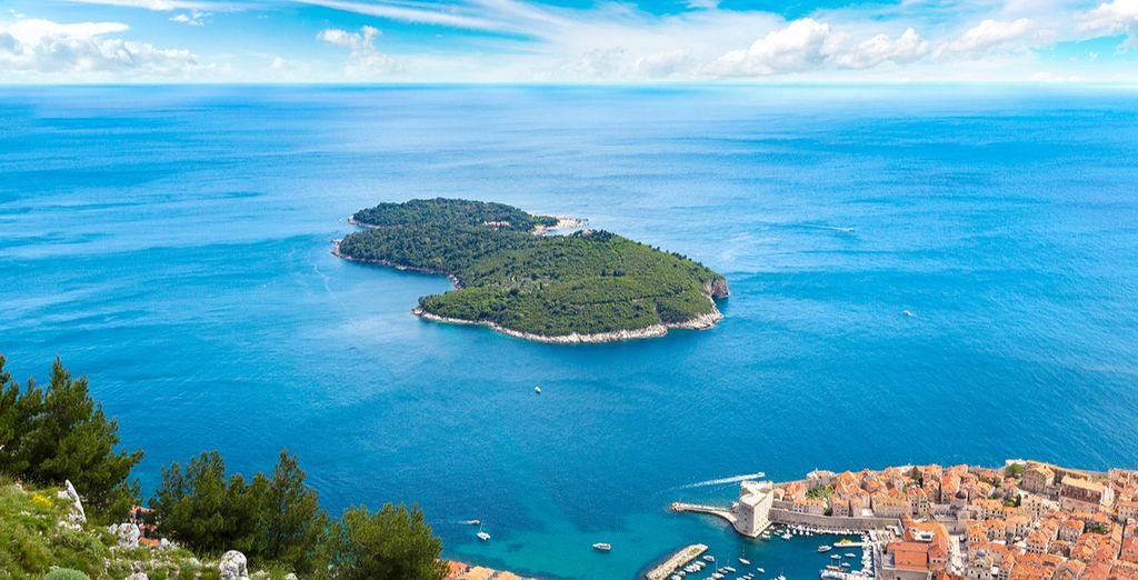 Embark on a panoramic cruise of Lokrum Island