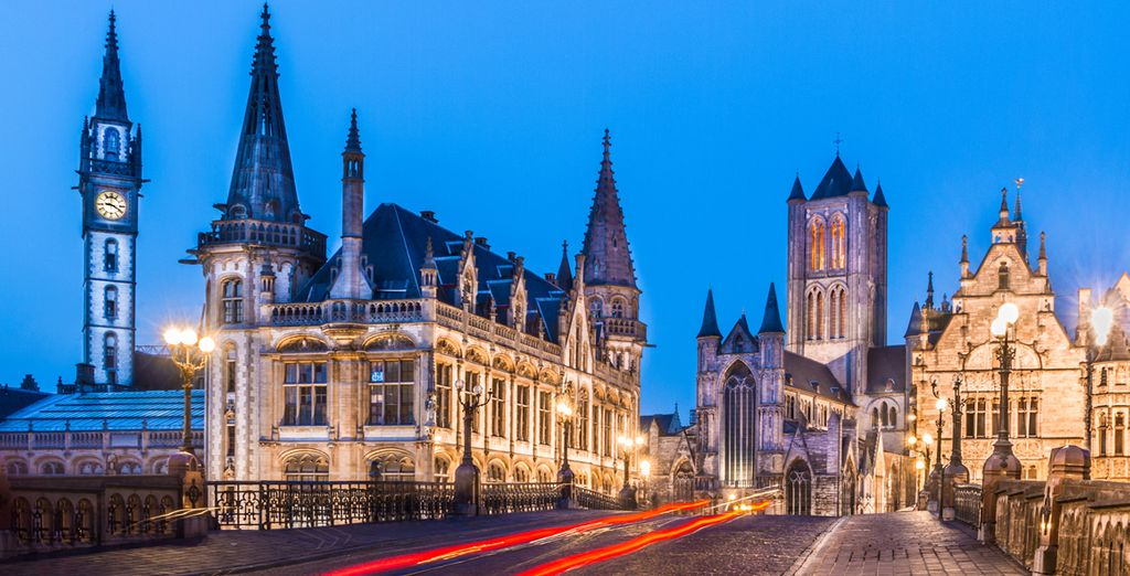 A 5-minute walk takes you to sights like the cathedral, castle and belfry