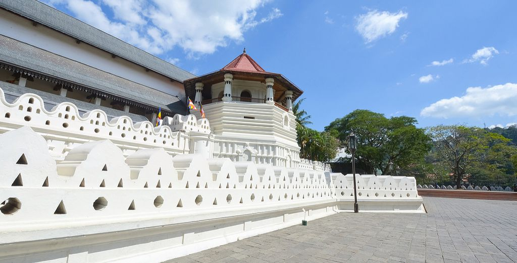See the Temple of the Tooth Relic
