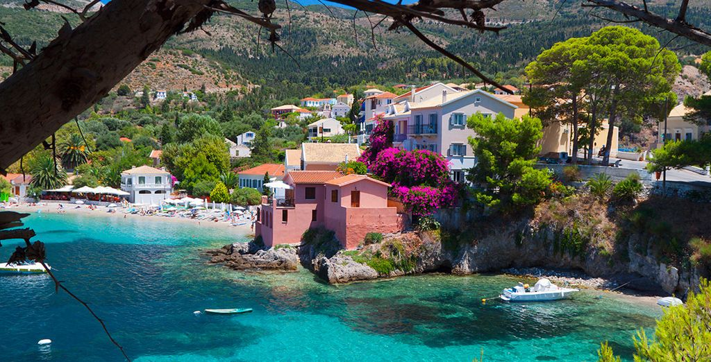 Exploring the idyllic local villages and beaches - Thalassa Hotel 4* Kefalonia