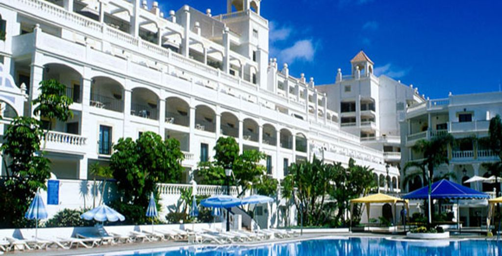 - The Hollywood Mirage & Beverly Hills Club**** - Los Cristianos - Tenerife  Tenerife