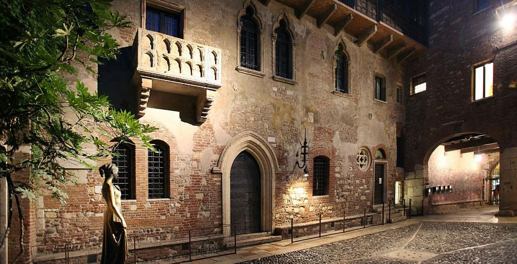 Stay at the star-crossed home of Romeo and Juliet