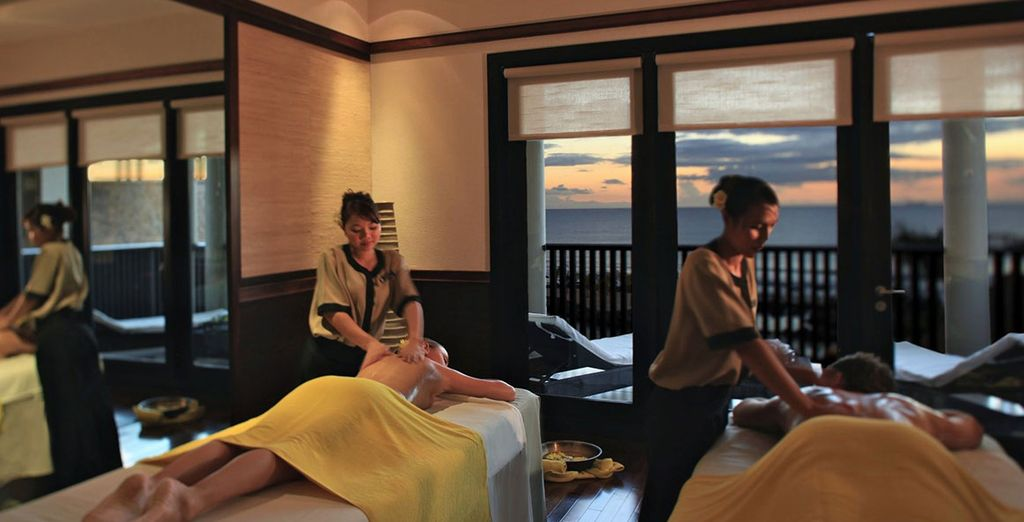 Unwind with a fully body massage...