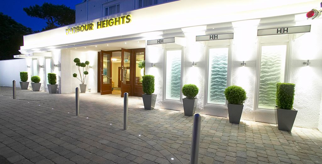 Welcome to Harbour Heights Hotel