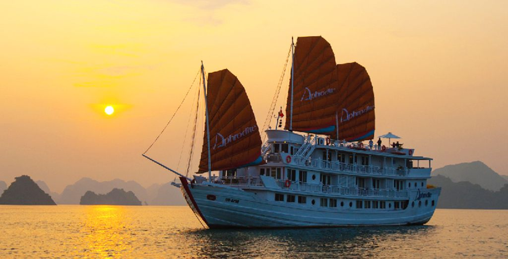 You will be travelling on a comfortable Aphrodite Cruise