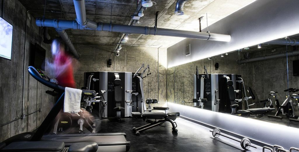 Work up a sweat in the cutting edge gym, before heading out to London!