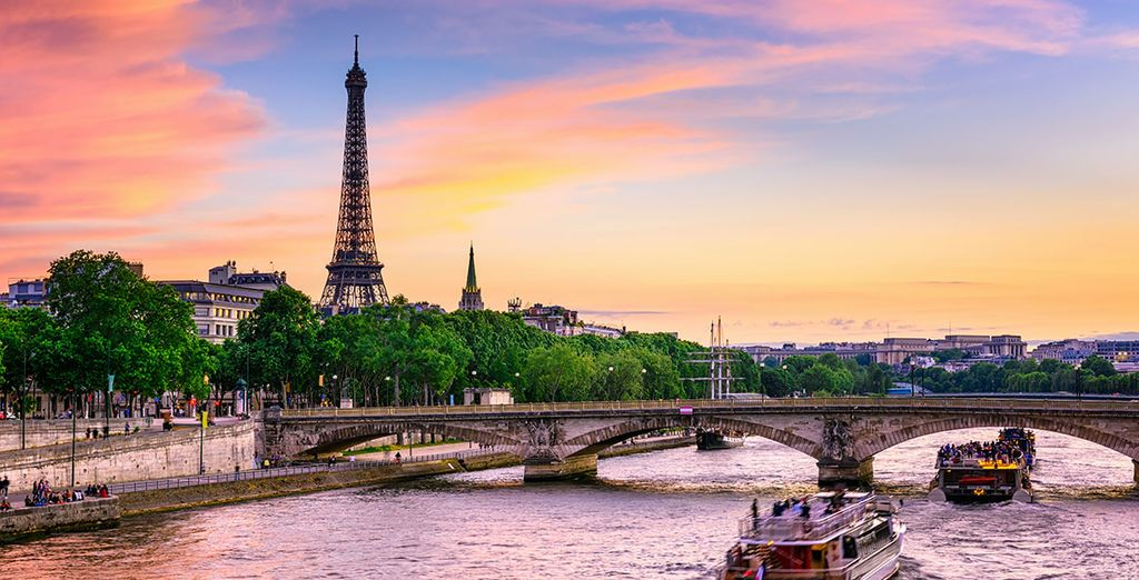 France travel guide - Paris