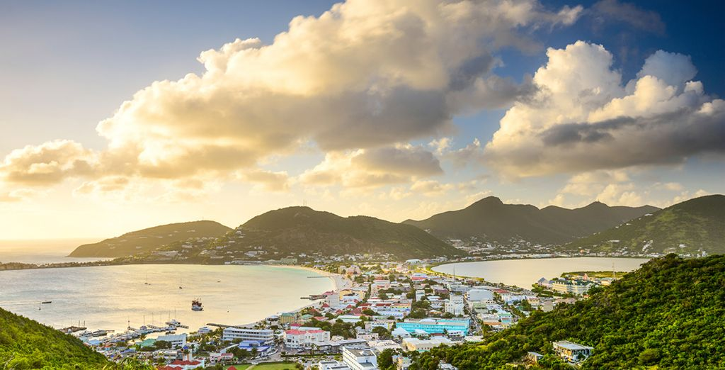 Beginning in St Maarten, you can choose from 2 itineraries, covering the most amazing islands