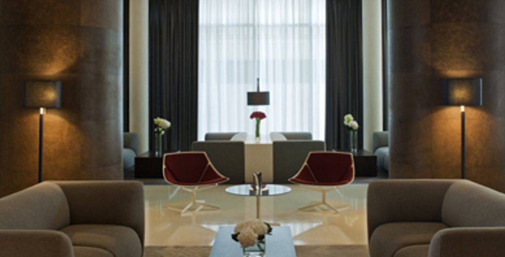 - Radisson Royal Hotel***** - Dubai - UAE Dubai