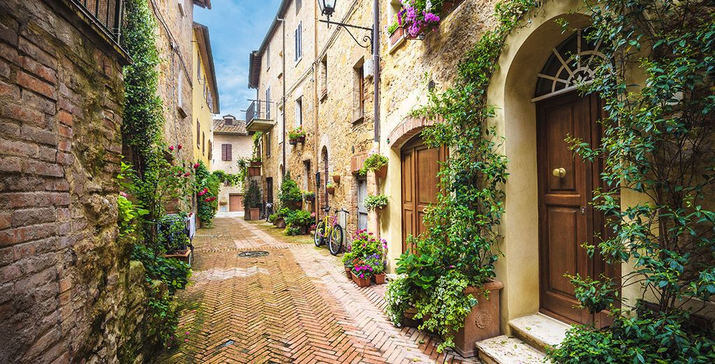 Explore beautiful Roman streets