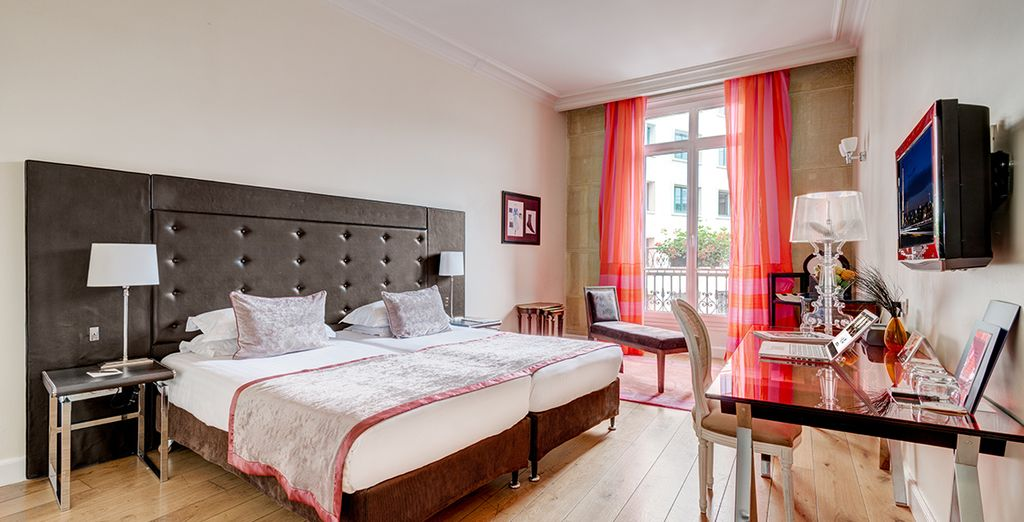 Where you will be greeted by light and airy rooms