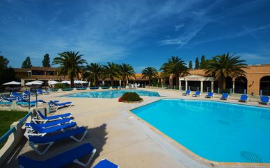 Hotel Club Residence les Amandiers 4*