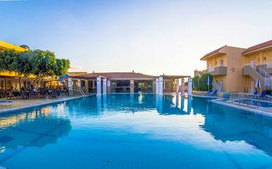Lavris Hotel & Bungalow 4*