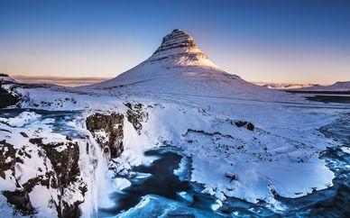 Grand Hotel Reykjavik 4* con escursioni Luci del Nord e Golden Circle