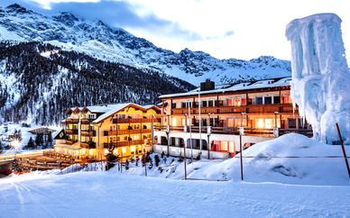 Paradies Pure Mountain Resort 4*