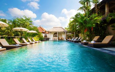 Ubud Village Monkey Forest Hotel 4* + Mahagiri Resort Nusa Lembongan 4* + Movenpick Resort & Spa Jimbaran 5*