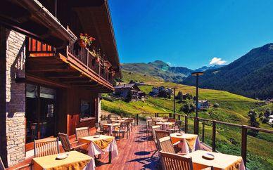 Maison Cly Hotel & Restaurant 4*