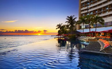 Luxe Sunset Boulevard Hotel 4* & Sheraton Waikiki Hotel 4*