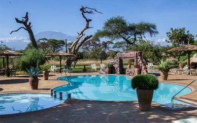 Swahili Beach Resort 5* and Mini Safari