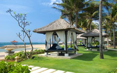 Desa Visesa Ubud 5* & Conrad Bali 5*
